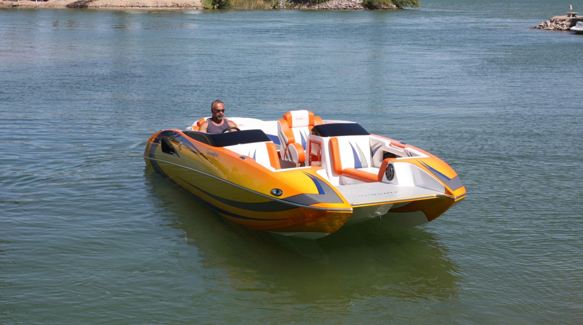 Domn8er Powerboats